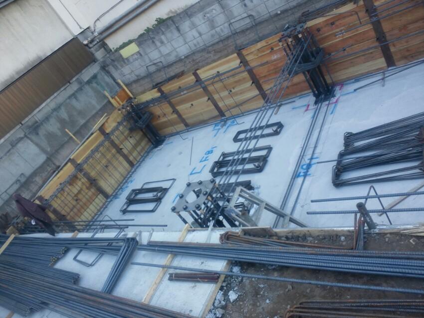 鉄骨4階建て住宅 アンカーボルト、地中梁