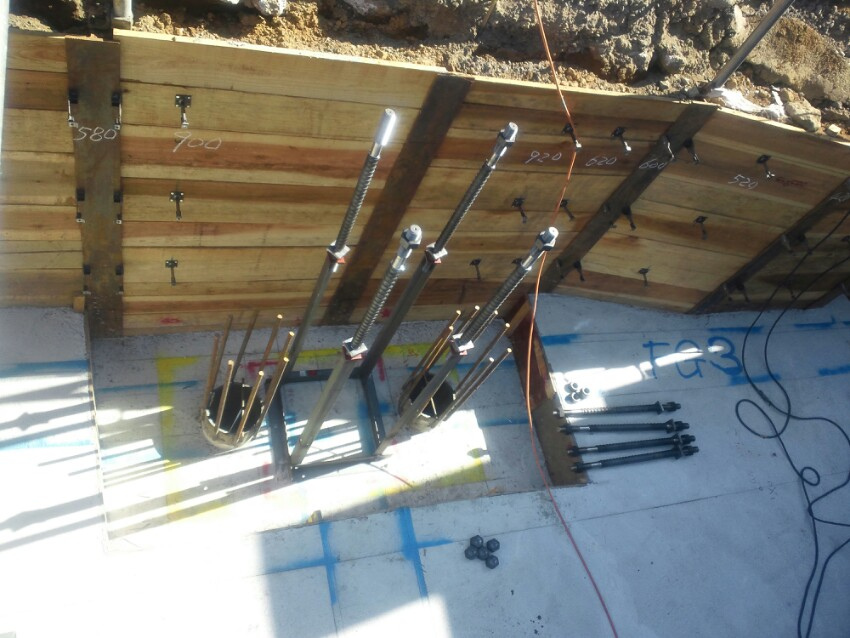 鉄骨5階建て住宅アンカーボルト、鋼管杭