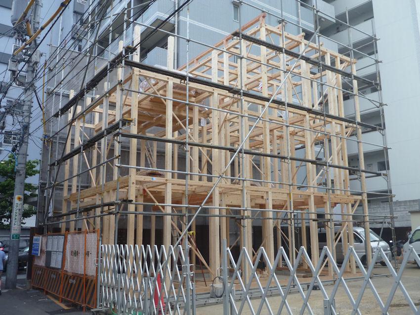 新宿5丁目木造3階耐火建築 上棟